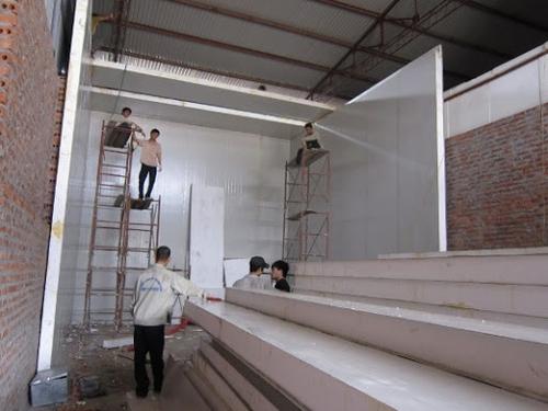 Nên lắp đặt vách panel nhà xưởng hay không 1