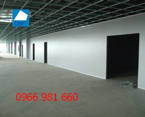 lap-dat-vach-panel-nha-xuong